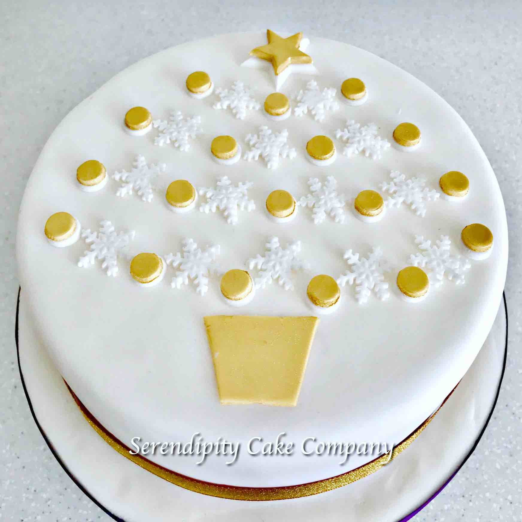 Serendipity Cake Company White Snowflake And Gold Baubles Decorated